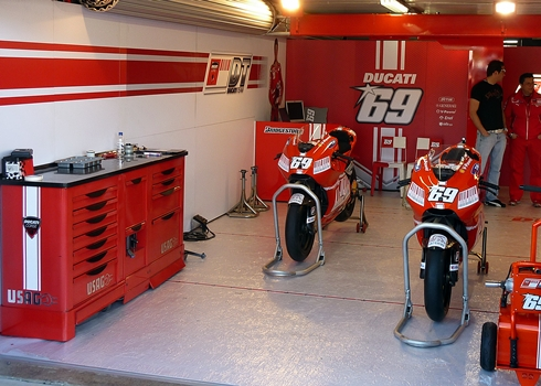 Paddock ducati pinterest for Garage mecanique nice